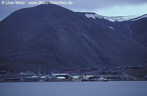 Townscape from Longyaebyen