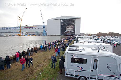 Undocking Disney Fantasy, Meyer Werft Papenburg